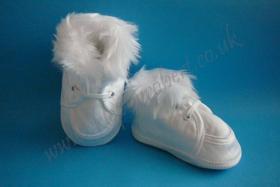 Obrazek Atłasowe buciki wiązane zimowe 015